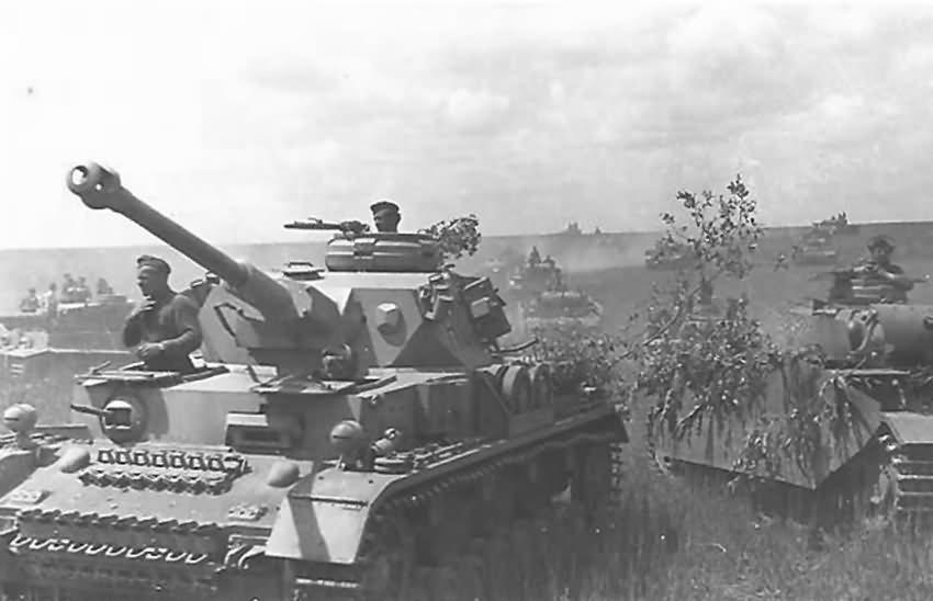 Panzer_IV_Ausf_G_Bjelgorod_1943.jpg