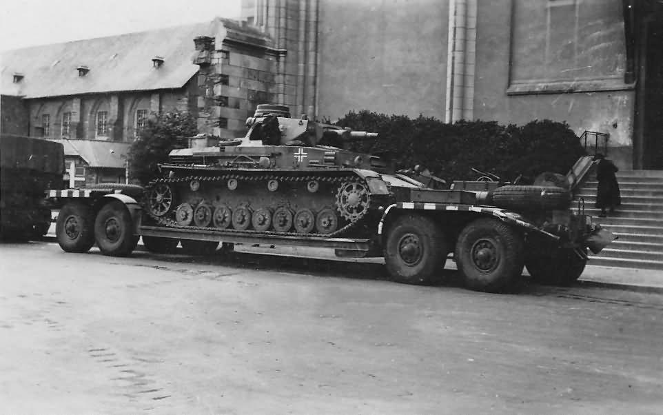 Panzer IV Tank On Sd.Ah.116 Low Loader Trailer