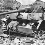 "Destroyed Panzer IV tank ""lang"" 40"