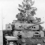 Panzerbefehlswagen III with Schurzen winter