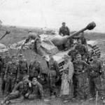 StuG 40 Ausf G and crews