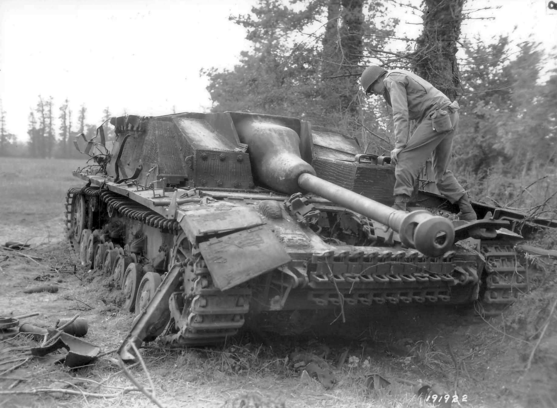 sturmgeschutz iv with zimmerit world war photos