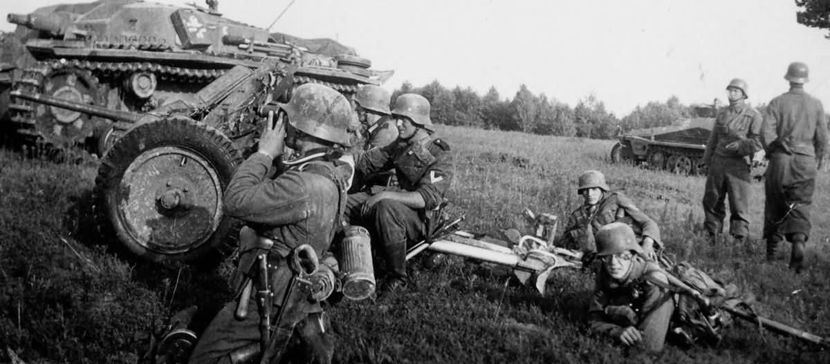 StuG III and 37 mm Pak