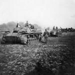 StuG III assault gun and SdKfz 250 halftrack