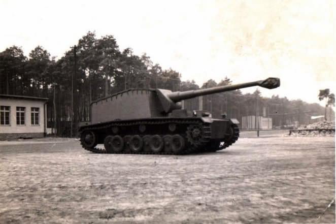 German self-propelled anti-tank gun Sturer Emil 1942 2