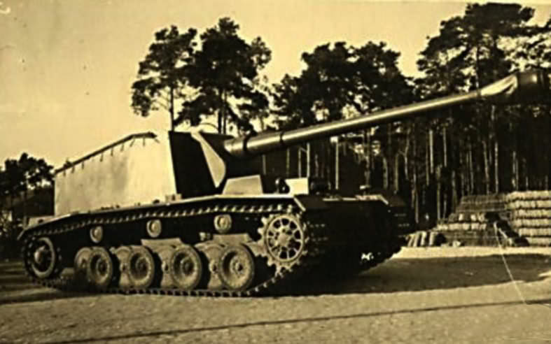 German self-propelled anti-tank gun Sturer Emil 1942
