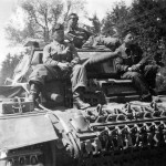 Tank crews atop Tauchpanzer III