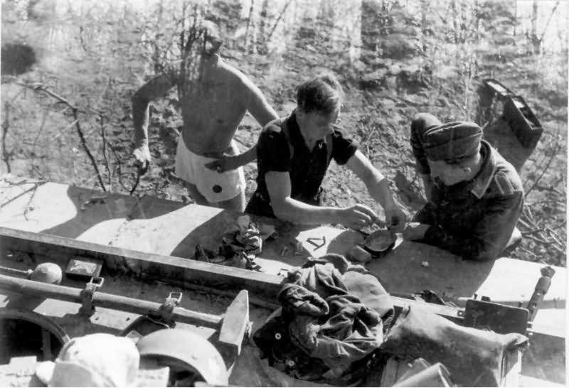 panzersoldaten and panzer vi tiger i 314 of the schwere panzer abteilung 503 world war photos. Black Bedroom Furniture Sets. Home Design Ideas