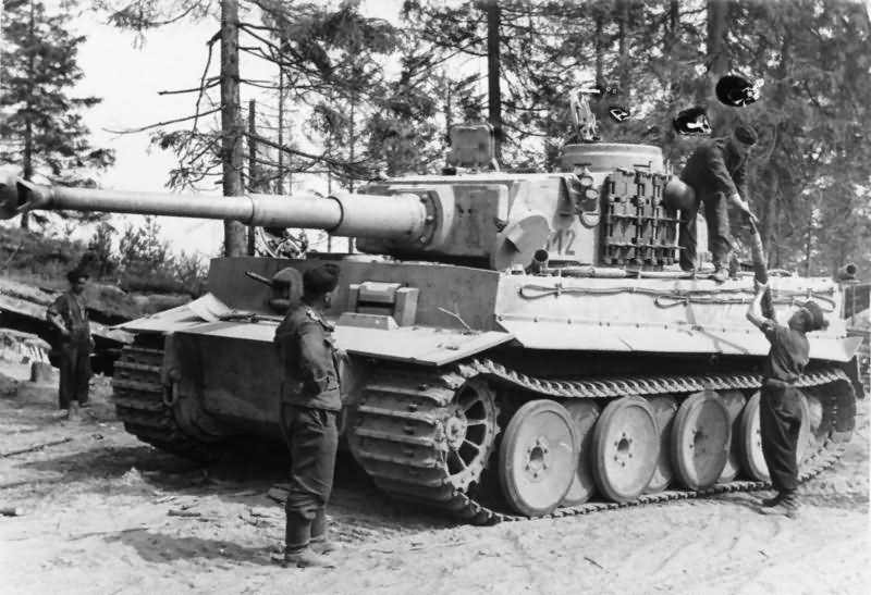Early Production Heavy Tank Tiger I Of The Schwere Panzer