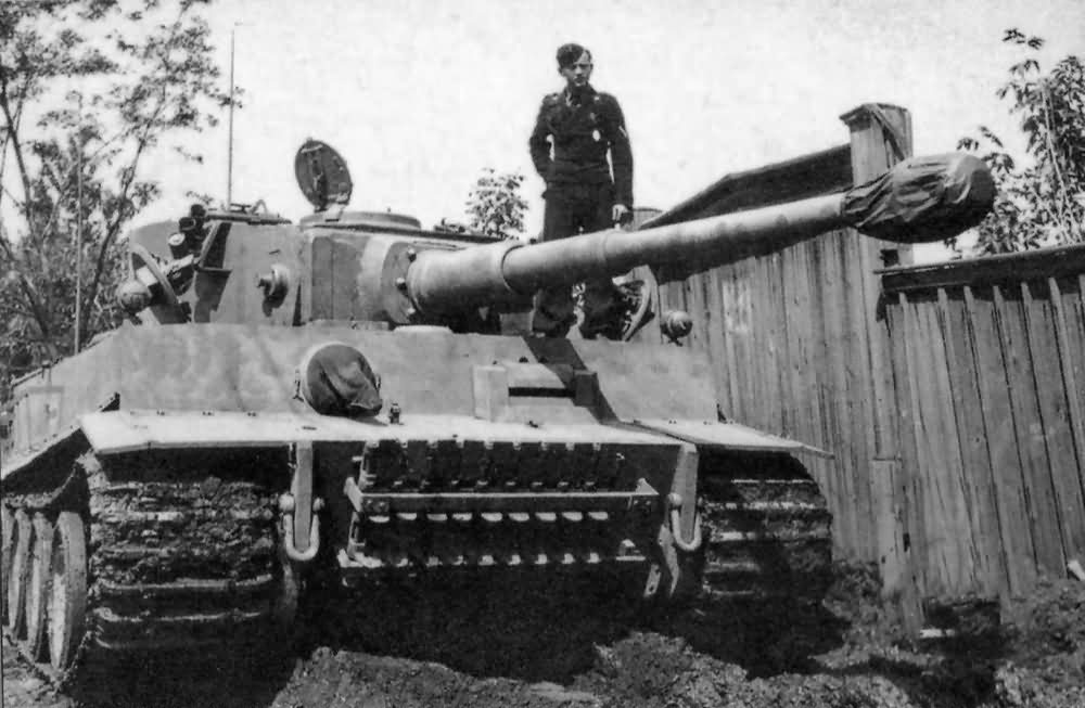 Early Tiger code II of schwere Panzer Abteilung 502 1943