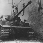 Panzer VI Tiger Stab Schwere SS-Panzerabteilung 102 1944 (Zimmerit and steel road wheels)