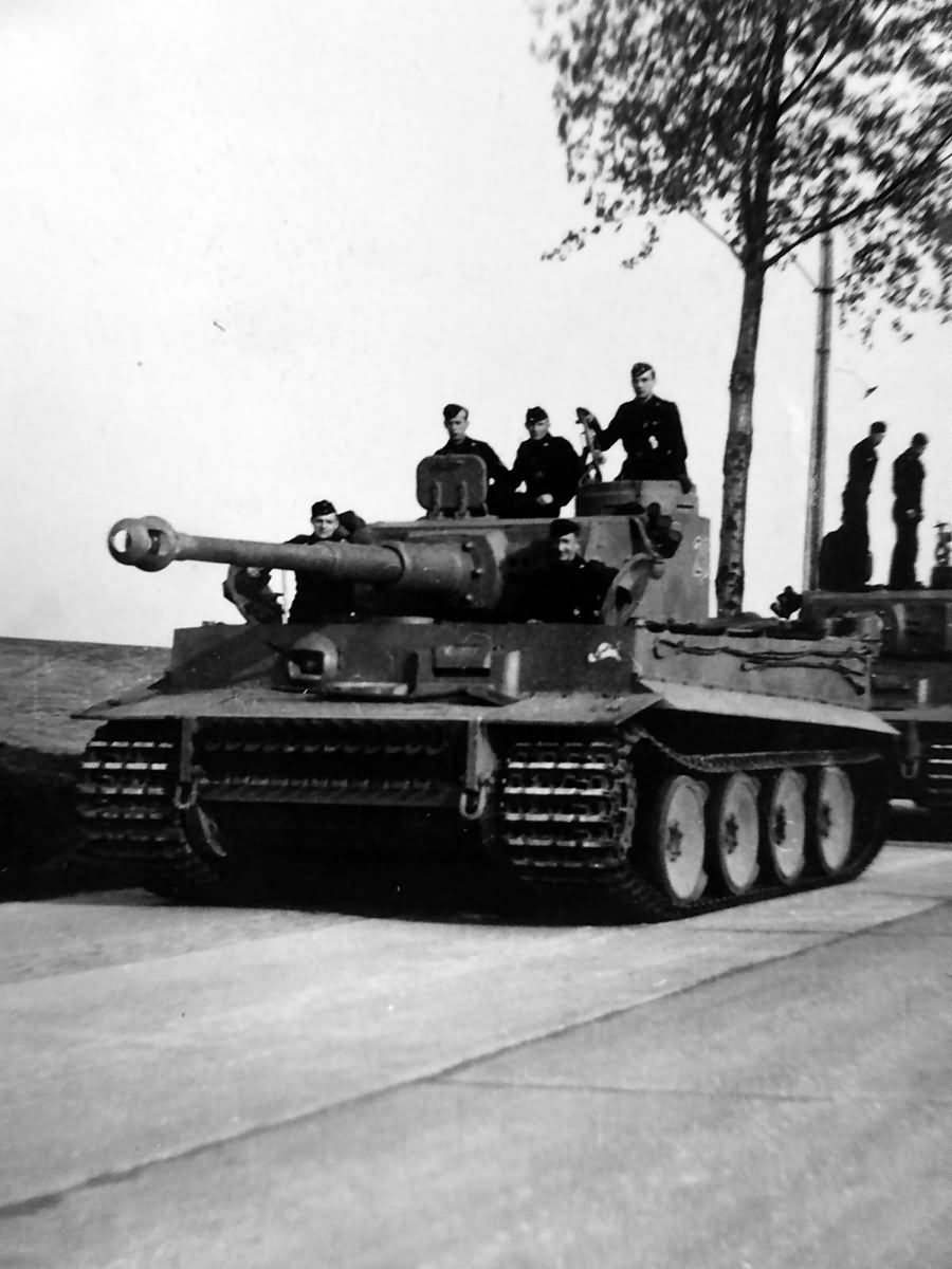 Early Tiger tanks and crews of the schwere panzer abteilung 505