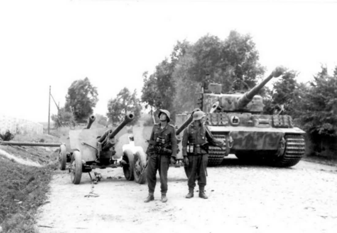 PzKpfw VI Tiger code B12 of the III Battalion Panzer Regiment Grossdeutschland
