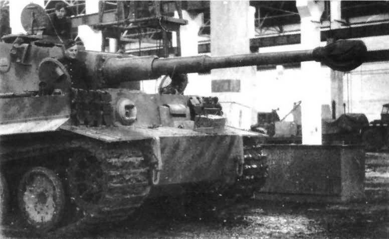 Tiger I heavy tank 13