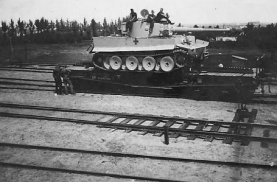 Tiger I tank transport 5