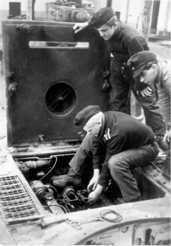 Tiger I tank engine