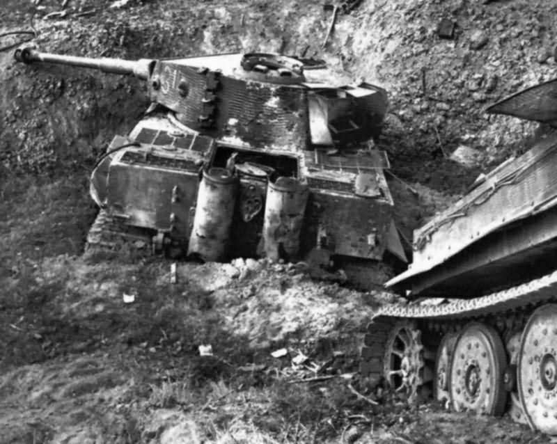 Tiger I with zimmerit number 312, of schwere Panzerabteilung 504, Pian delle Pieve Italy