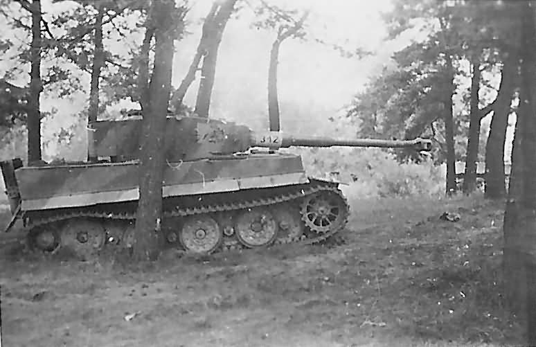 Panzerkampfwagen VI Tiger Ausf. E with Steel Wheels of the Schwere Panzer-Abteilung 505, tank number 312