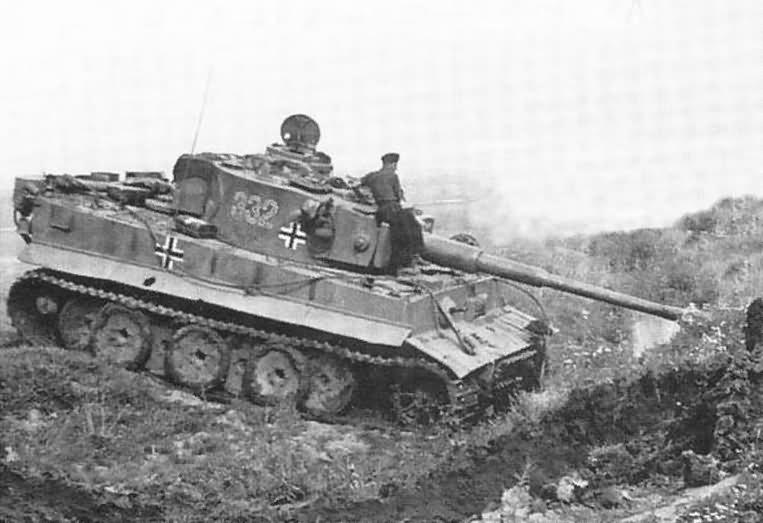 Panzerkampfwagen VI Tiger of Schwere Panzer-Abteilung 503, tank number 332 1943