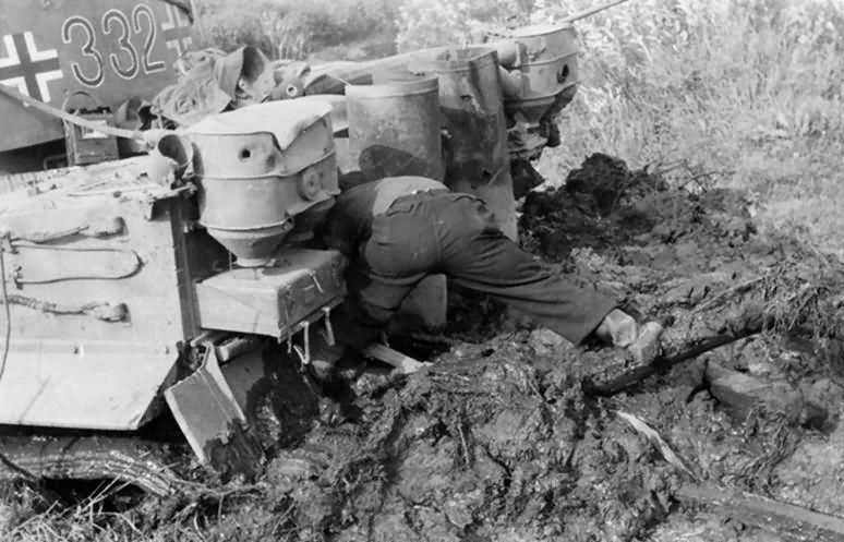 Panzer VI Tiger of Schwere Panzer-Abteilung 503, tank number 332