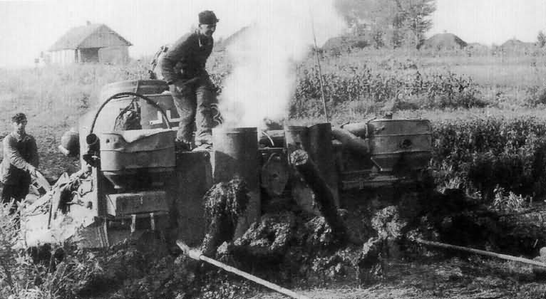 PzKpfw VI Tiger Ausf. E of Schwere Panzer-Abteilung 503, tank number 332 rear view