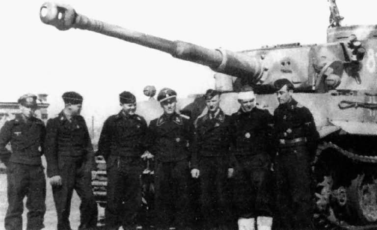 Tiger I number 812 Tiki of the 8/SS-Panzerregiment 2 Das Reich