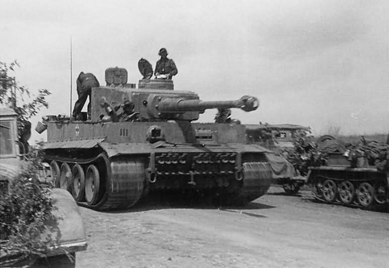 Tiger I number 913 SS Panzer Regiment 3 Totenkopf Kursk
