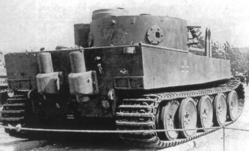 Tiger I tank number 100 of Schwere Panzer-Abteilung 502 rear view 2