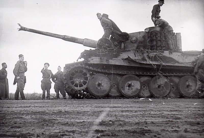Captured Tiger I tank of the Schwere Panzer Abteilung 505, tank number 300. Eastern Front 2