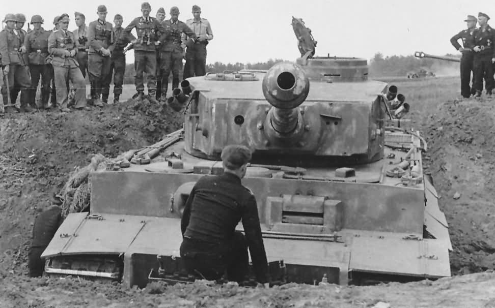 Panzerkampfwagen VI Tiger Ausf. H1 of Schwere Panzer-Abteilung 503, tank number 311 front view