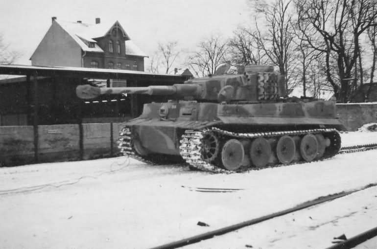 Tiger I tank in winter