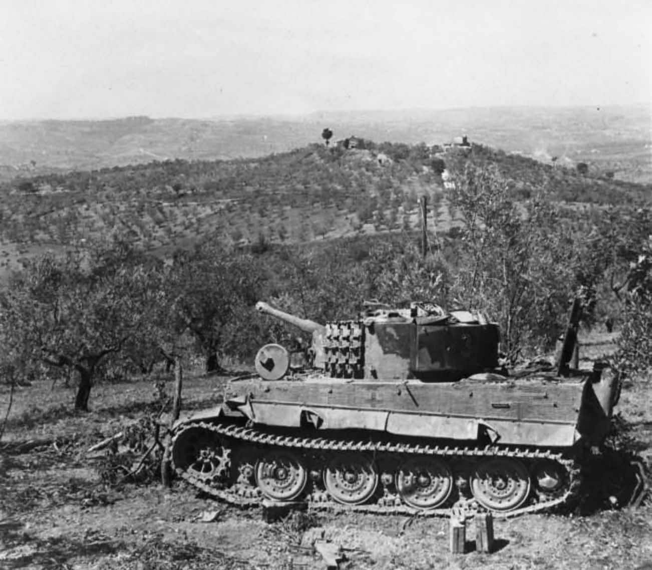 German Tiger tank late, steel wheels, number 3 of schwere Panzer-Abteilung 508, La Romola Italy
