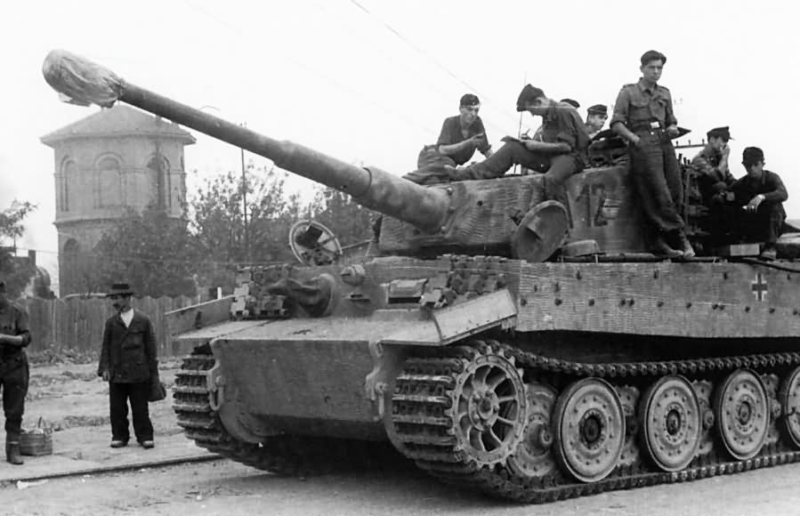 Tiger tank code A12 of the III/Panzer Regiment Grossdeutschland 1944 (late version)
