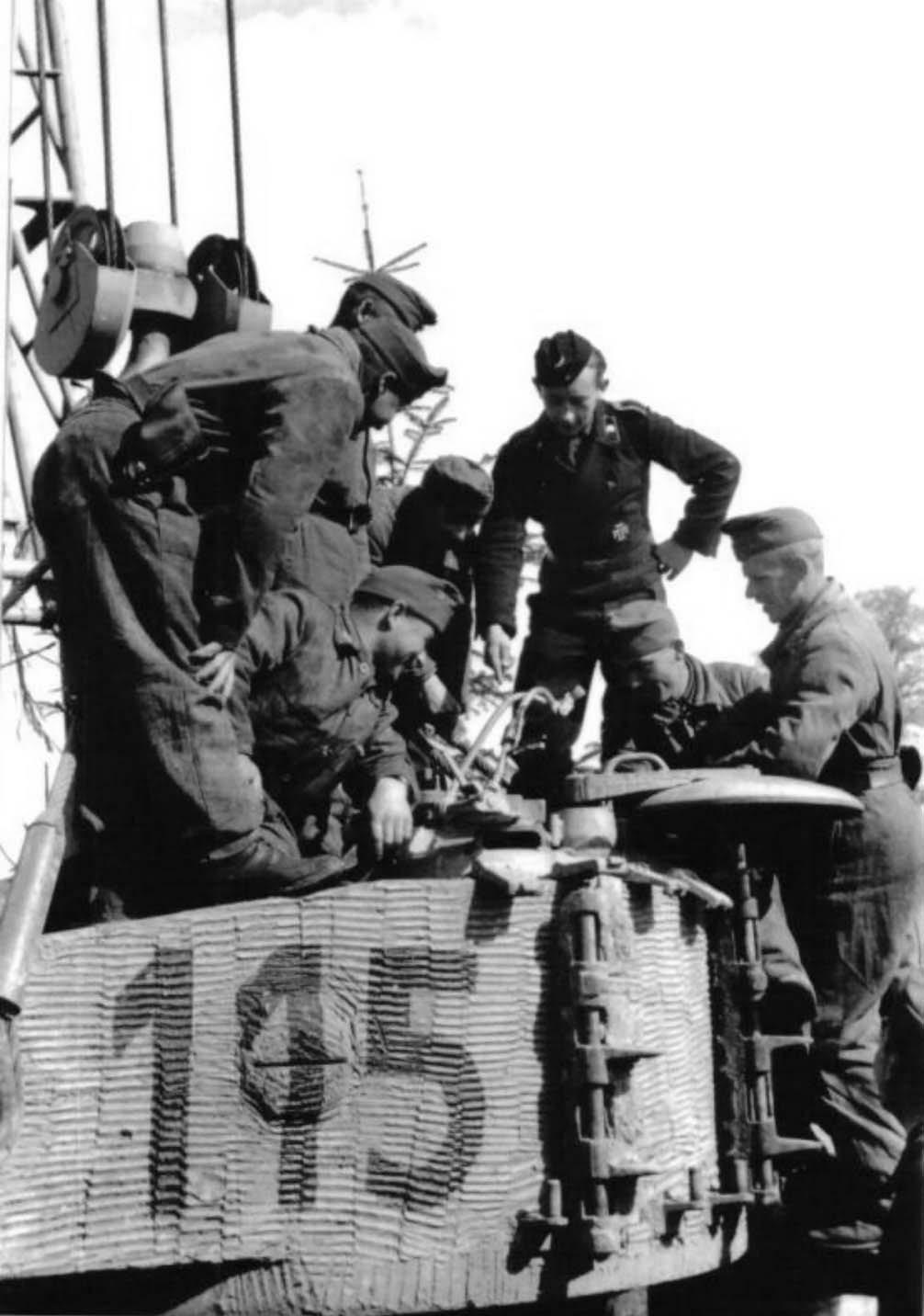 Hungarian Tiger tank number 115