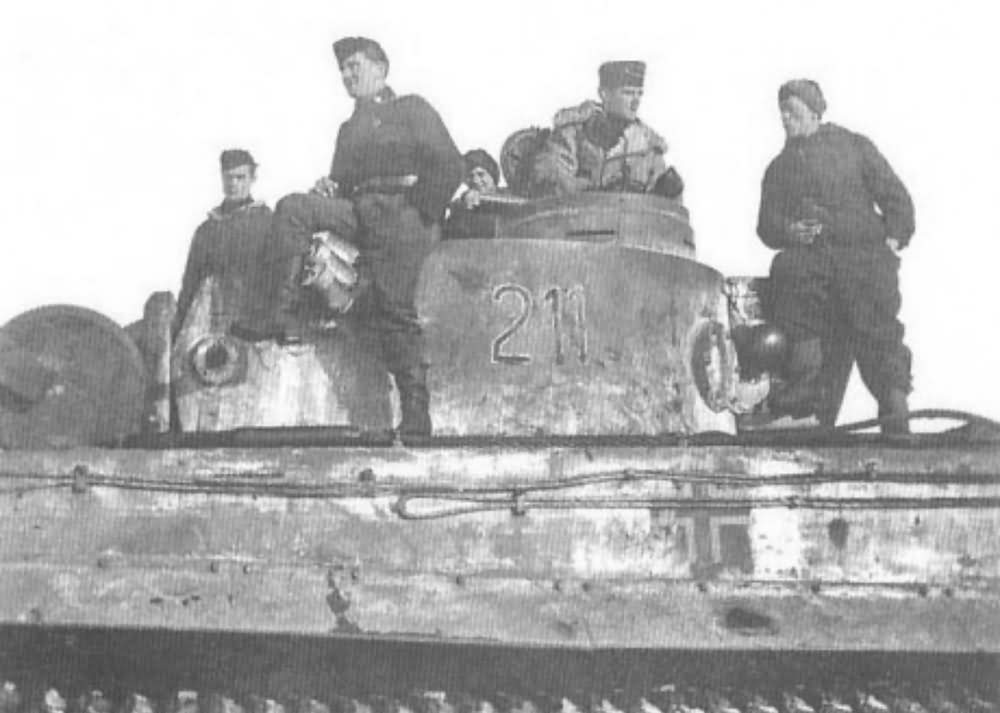 Tiger tank number 211 (2nd Company, 1st Platoon, 1st vehicle) of the Schwere Panzer Abteilung 503. Narva 1944