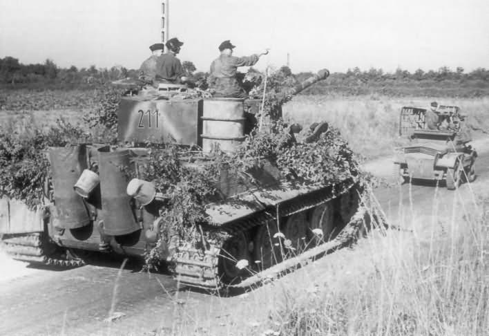 Panzer VI Tiger Ausf E of Schwere SS-Panzer-Abteilung 102, tank number 211