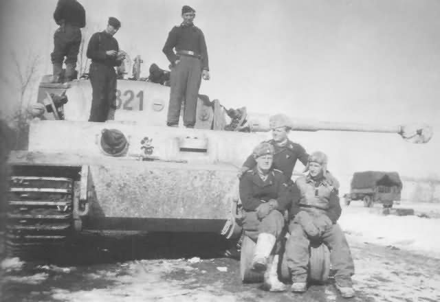 Tiger of the 8/SS-Panzerregiment 2 Das Reich, tank number 821. Winter camoufalge Eastern front