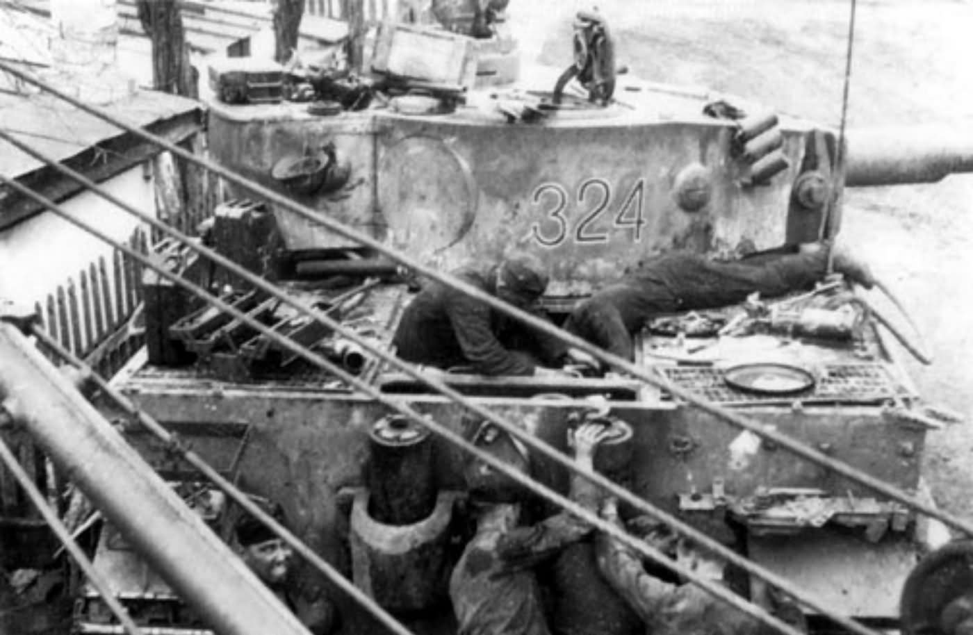 Panzer VI Tiger of Schwere Panzer-Abteilung 503, tank number 324