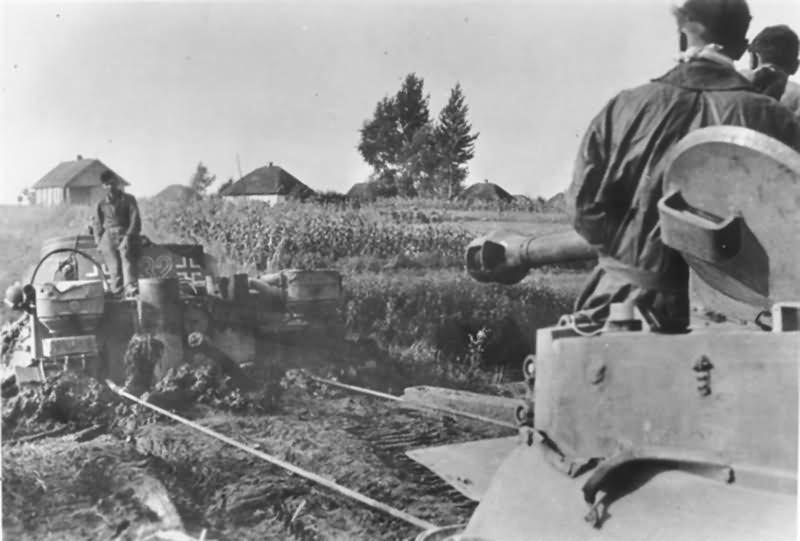 Panzer VI Tiger of the Schwere Panzer-Abteilung 503, tank number 332