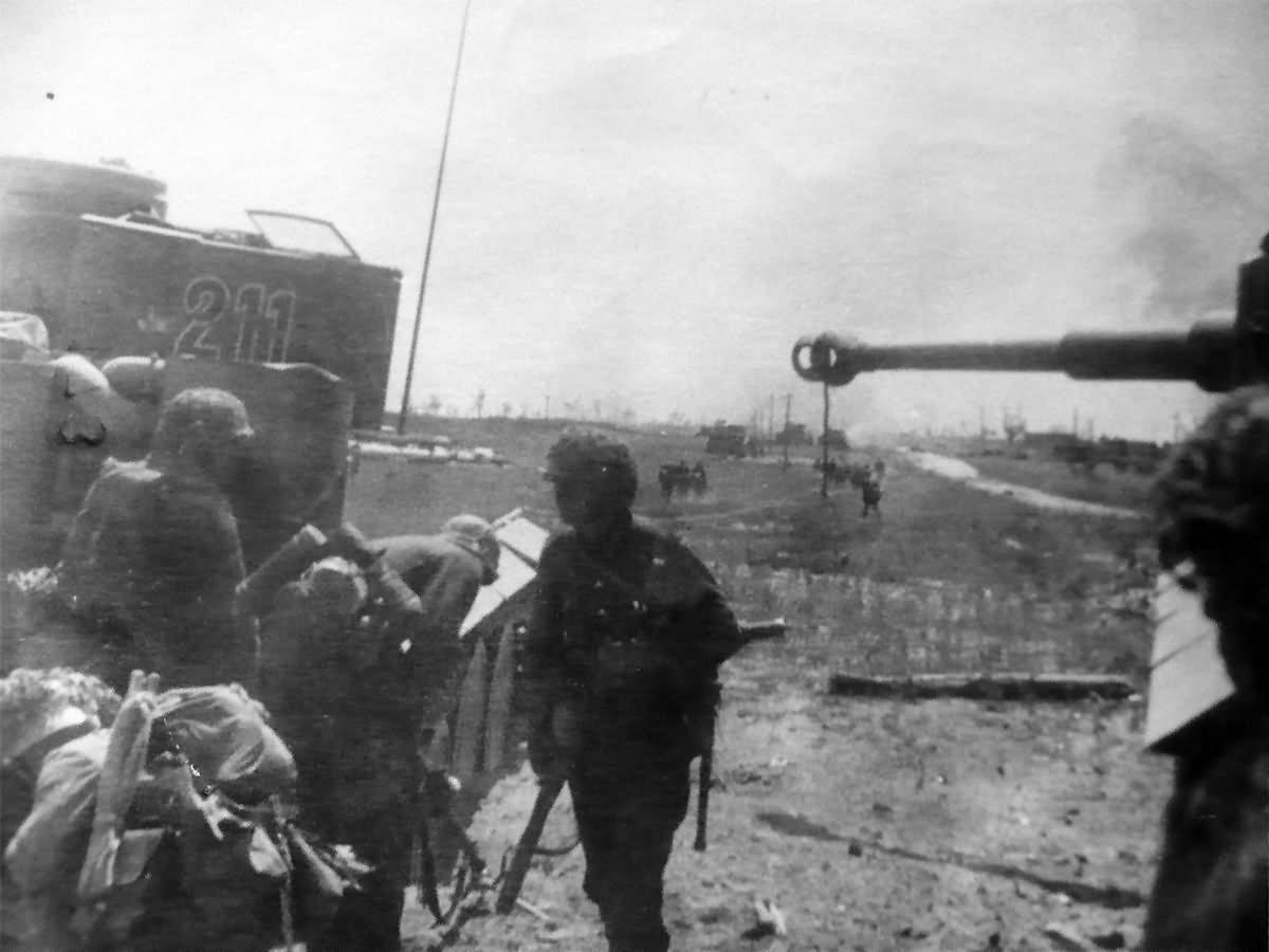 Panzerkampfwagen VI Tiger of Schwere Panzer-Abteilung 503, tank number 211 Kursk July 1943