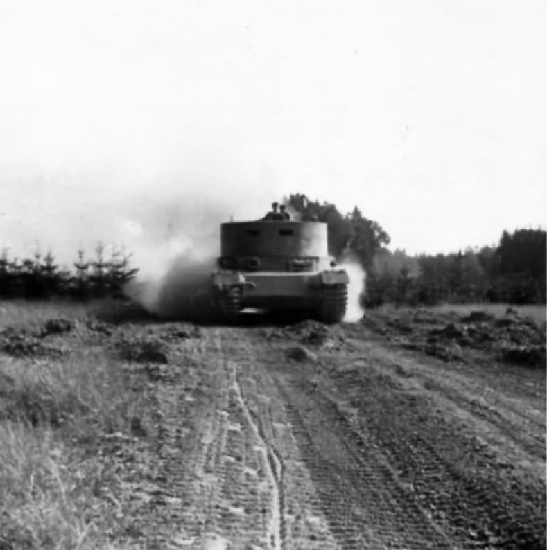porsche Tiger P prototype with dummy turret