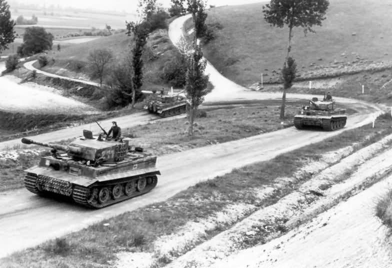 Panzer VI Tiger Ausf E of schwere SS-Panzer-Abteilung 101, tank number 211 – Normandy 1944