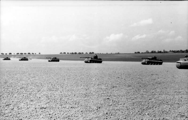 Panzer VI Tiger Ausf E of 3/schwere SS-Panzer-Abteilung 101. Normandy 1944