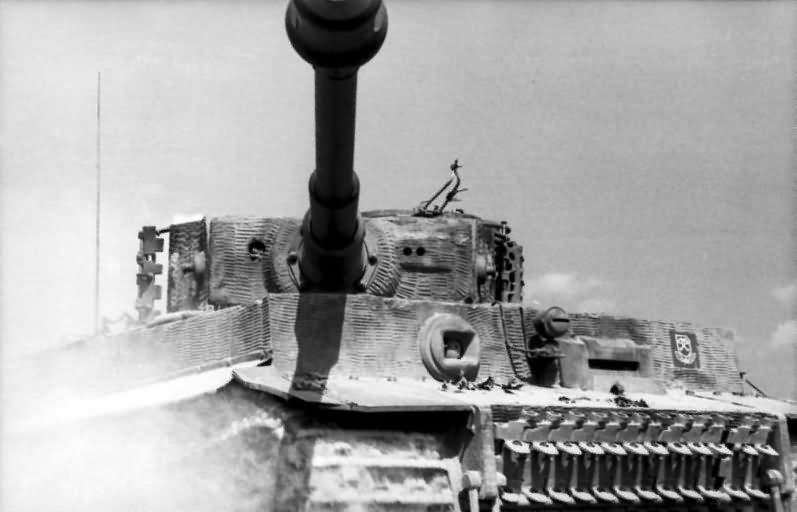 Panzer VI Tiger Ausf E of 3/schwere SS-Panzer-Abteilung 101, tank number 331 – Normandy 1944