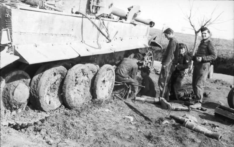 Tiger I tank of schwere Panzer-Abteilung 508, Anzio Nettuno Italy 1944