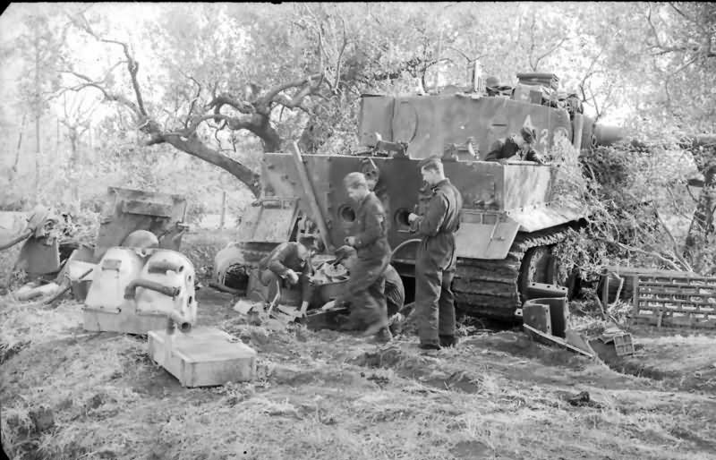 Tiger I tank code A2 of schwere Panzer-Abteilung 508 Italy 1944 9