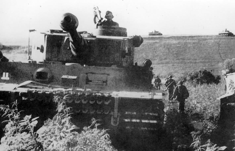 Tiger S14 of the Schwere Panzerkompanie SS-Panzer Regiment 2 Das Reich – Kursk 1943