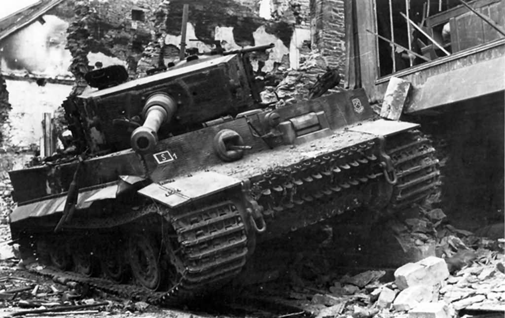 Tiger Ausf E of schwere SS-Panzer-Abteilung 101, tank number 111 – Villers Bocage Normandy 1944 France