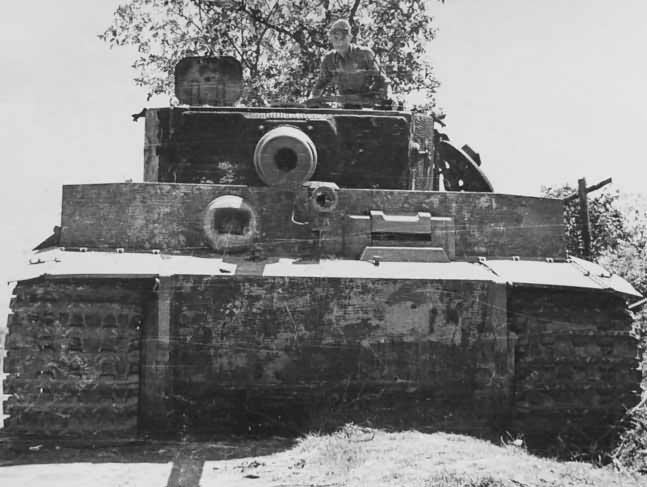 Tiger I tank code A2 of schwere Panzer-Abteilung 508 Italy 1944 2