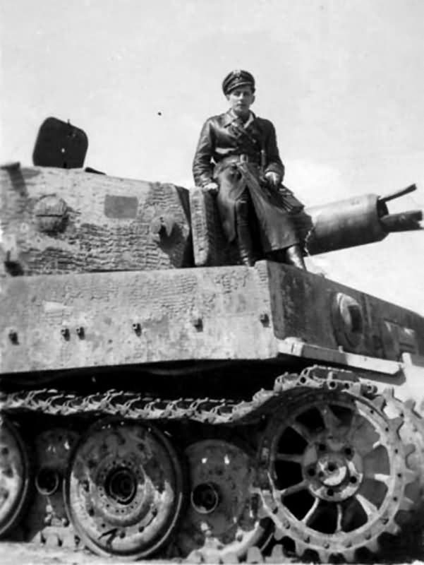 German Tiger I Ausf E (Late) with Zimmerit